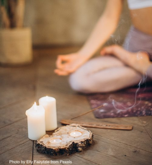 candles-and-incense-for-meditation-3822622